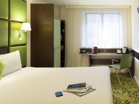 day room Southwark